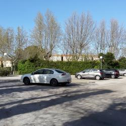 Le parking : 2 places numérotées